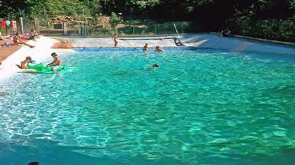 Piscine naturelle 66 for Camping a quebec avec piscine